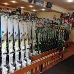 cele mai bune echipamente de inchiriat ski si snowboard din Poiana Brasov