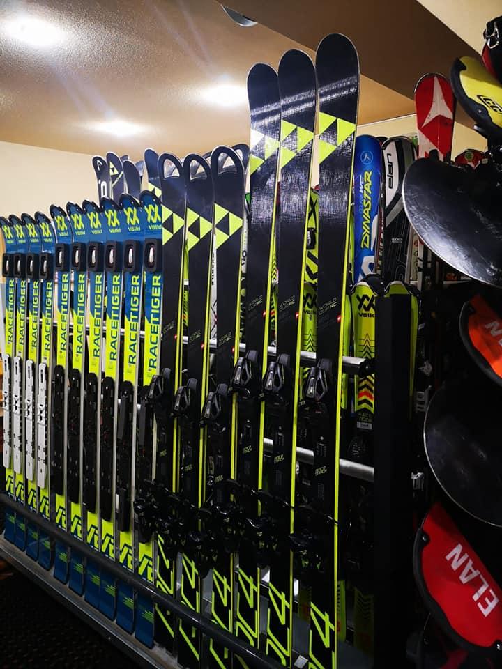 Poiana Brasov Ski Hire Shop in Poiana Brasov